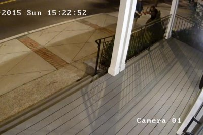 Man caught on camera toppling 1,000-pound statue in New Jersey
