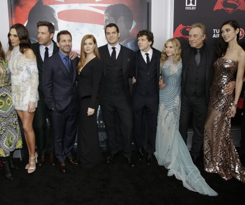 'Batman v Superman' crosses $500M milestone