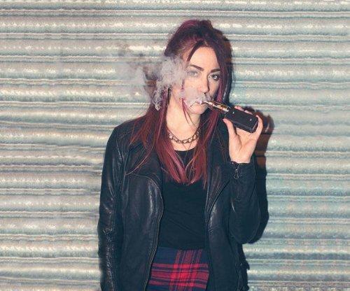 Teens often think e-cigs, hookah pipes harmless: CDC