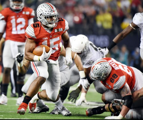 Ohio State football: Ezekiel Elliott apologizes for comments critical of coaches, play calling