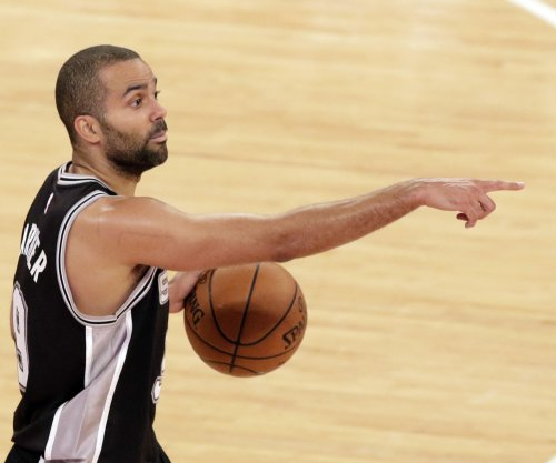 Spurs get everyone involved in 95-70 win