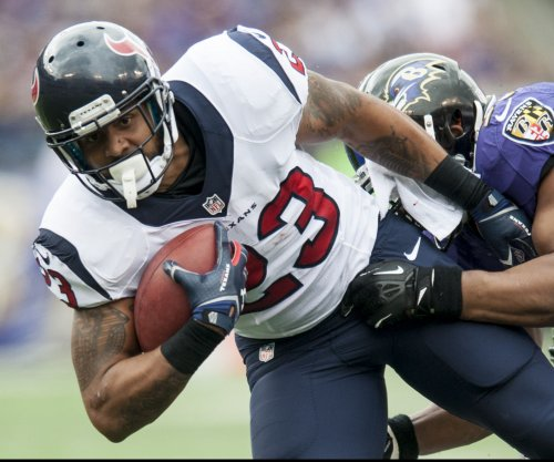 Arian Foster signs with Miami Dolphins