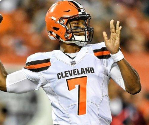 Cleveland Browns head coach Hue Jackson decides: Rookie DeShone Kizer starting QB
