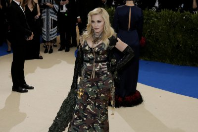 Madonna makes stand-up debut with Amy Schumer