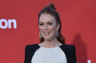 Julianne Moore to play Gloria Steinem in new biopic