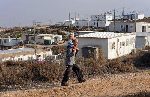 Settlements illegal, London tells Israel