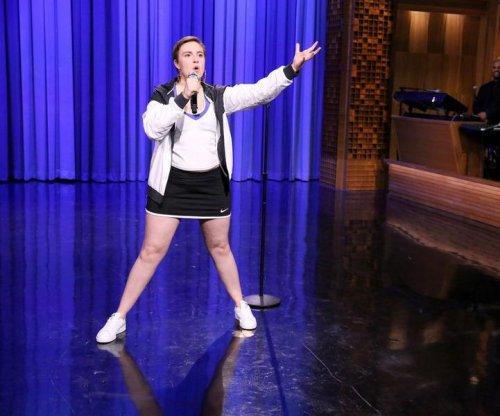 Lena Dunham lip syncs to 'Fat Bottomed Girls' on 'Tonight'
