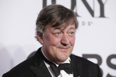 Stephen Fry is leaving British panel show 'QI'