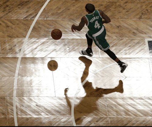 Inspired Isaiah Thomas scores 42 in Boston Celtics' win
