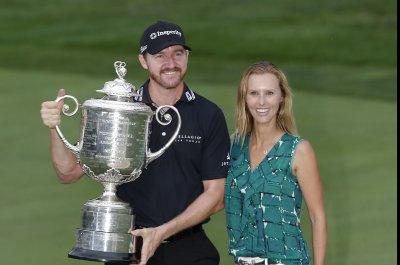 PGA Championship: Jimmy Walker edges Jason Day for first major title