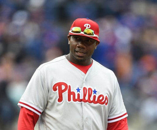 Philadelphia Phillies decline 1B Ryan Howard's $23 million option
