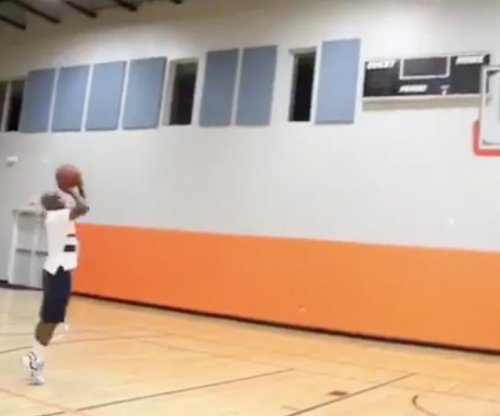 Floyd Mayweather displays sick jump shot, tweets NBA