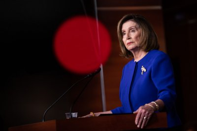 Pelosi plans to send impeachment articles to Senate next week