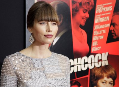 'Hitchcock' star Jessica Biel says it's hard to balance fame, privacy