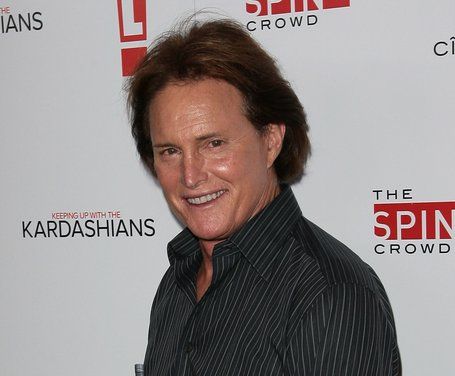 Bruce Jenner offers to hand over phone records to investigators