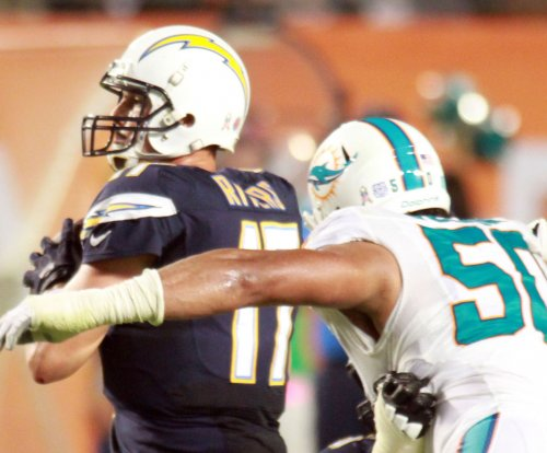 Miami Dolphins hope to retain DE Olivier Vernon