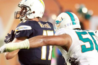 Miami Dolphins hope to retain DE Olivier Vernon
