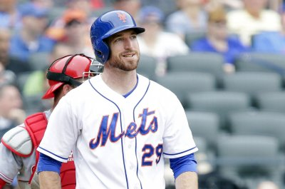 Injury-riddled New York Yankees sign 1B Ike Davis