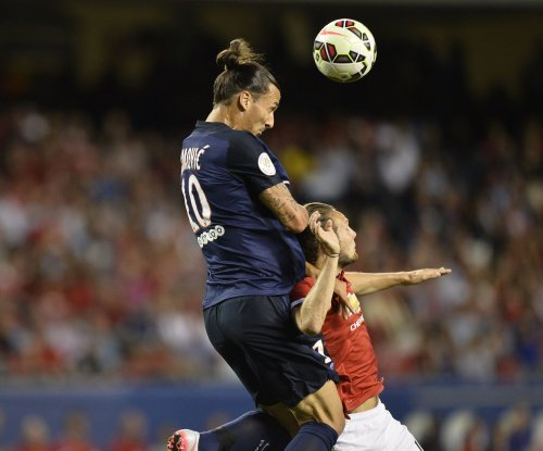Zlatan Ibrahimovic agrees to terms with Manchester United