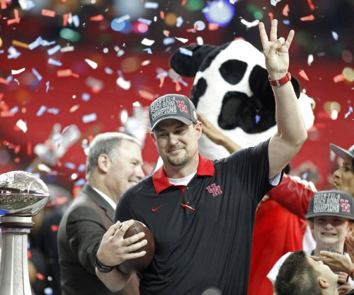 LSU reportedly negotiates with Tom Herman to be next head coach