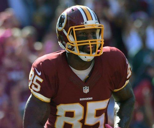 Washington Redskins re-sign TE Vernon Davis to 3-year deal