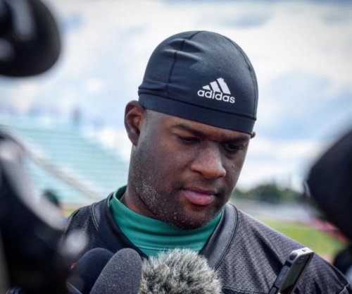 Ex-CFL QB Vince Young calls Ryan Fitzpatrick 'garbage'