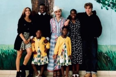 Madonna posts rare photo with all six kids