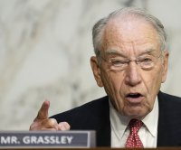 Sen. Chuck Grassley returns to office after COVID-19 quarantine