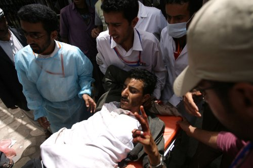 Yemeni presidential palace shelled