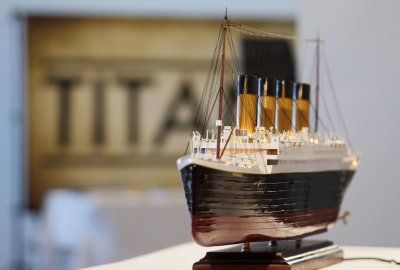 Titanic artifacts to be auctioned