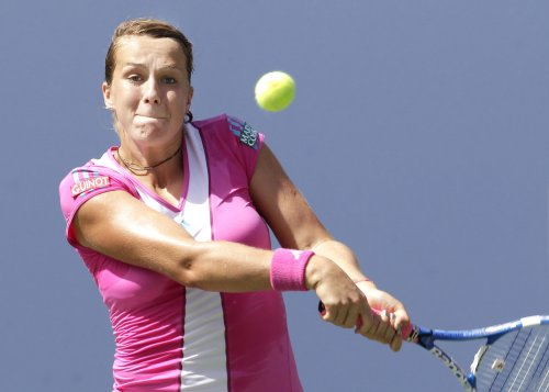 Pavlyuchenkova wins Portugal Open title