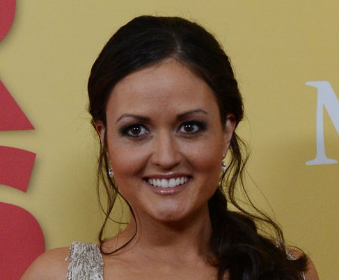 Danica McKellar weds Scott Sveslosky in Hawaii