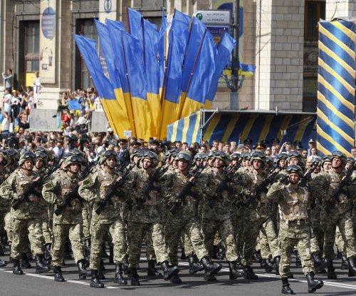 Ukrainian troops retreating from strategic, embattled town of Debaltseve