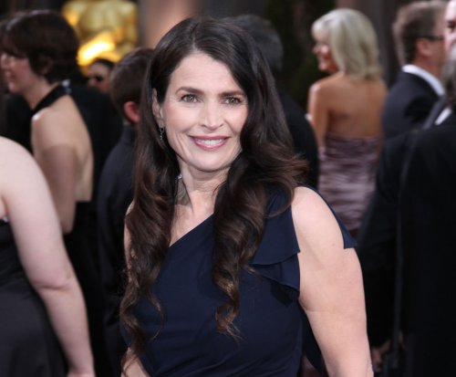 Julia Ormond lands lead in Syfy pilot 'Incorporated'