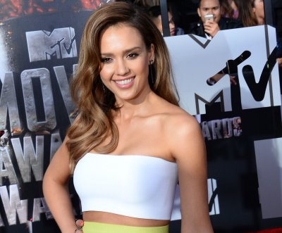 Jessica Alba's Honest Company replies to sunburn complaints