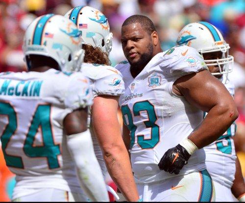 "Miami Dolphins' Ndamukong Suh tells ref he will ""slam"" Buffalo Bills quarterback"
