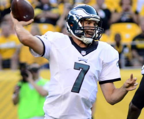 Sam Bradford throws two TD passes in Philadelphia Eagles' 33-23 win