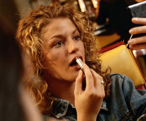 FDA suggests limits on lead in cosmetics