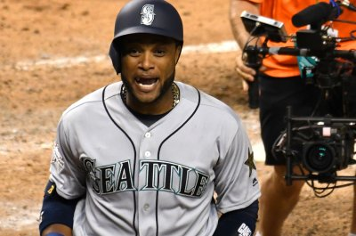 Robinson Cano, Edwin Diaz traded to Mets in blockbuster swap