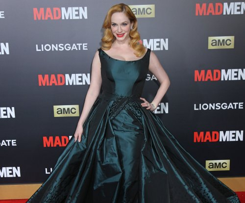 Christina Hendricks wows in detachable gown at 'Mad Men' premiere