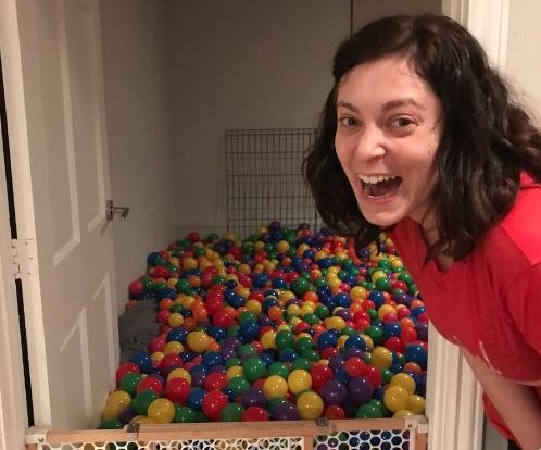'Crazy Ex-Girlfriend's' Rachel Bloom builds ball pit inside basement