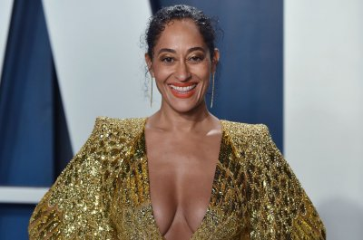 Tracee Ellis Ross says mom, Diana Ross, is tech-savvy