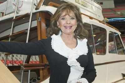 Dawn Wells, Mary Ann of 'Gilligan's Island,' dead of COVID-19 at 82