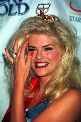 Anna Nicole case to go to trial