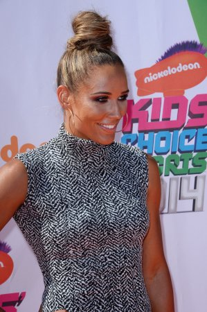 Lolo Jones praying for Oscar Pistorius; says father convicted of homicide, too