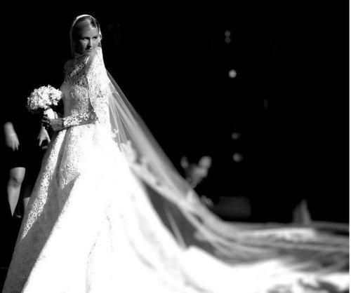 Paris Hilton shares photos from Nicky Hilton's wedding