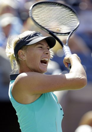 Wozniacki, Sharapova meet in Round of 16
