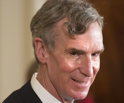 Bill Nye 'The Science Guy' reads mean tweets about himself in viral video