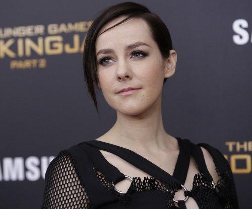 Jena Malone cut from 'Batman v Superman: Dawn of Justice'