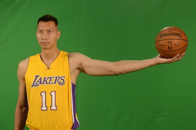 Los Angeles Lakers release former No. 6 pick Yi Jianlian